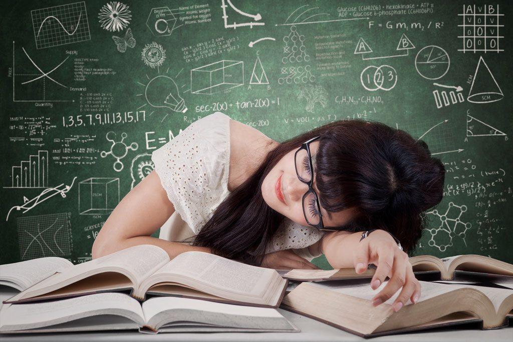 Motiver son ado à l'école ou simplement à étudier est un dur combat